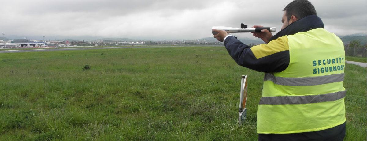Deterring birds with Aerolaser Handheld at Sarajevo Airport